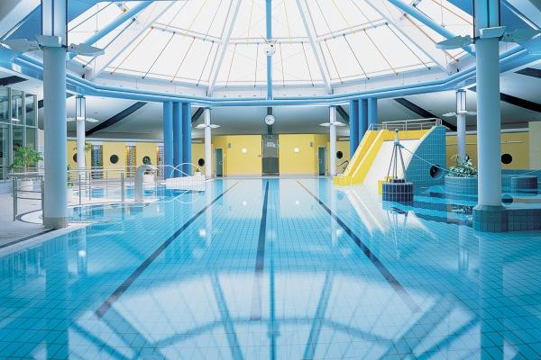 Tabarz hotel mit schwimmbad wohndesign for Hotel mit schwimmbad harz